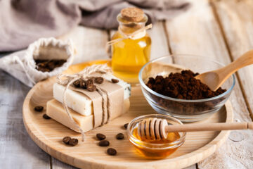 DIY Seife aus Honig und Kaffeepulver