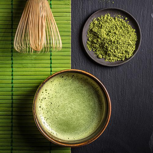 Matcha Tee in Schale